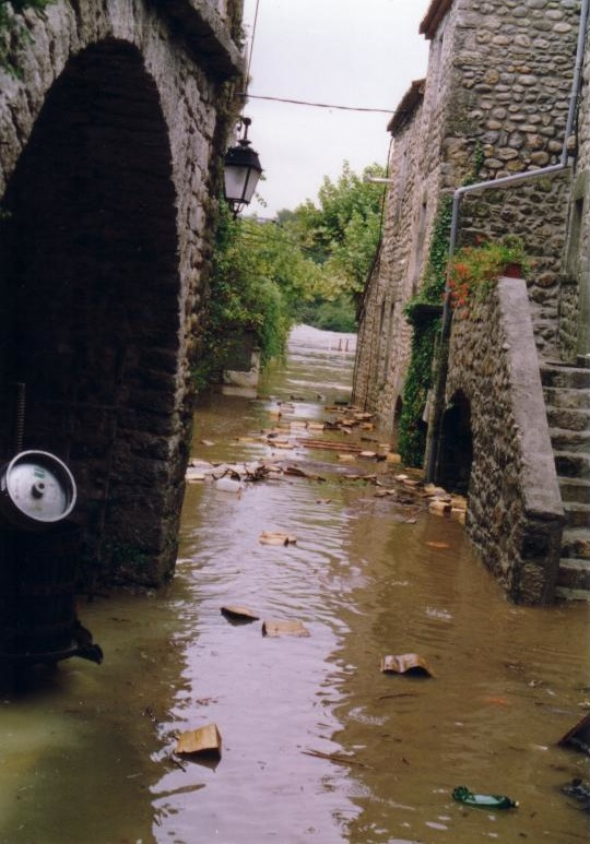 labeaume-inondation-rues